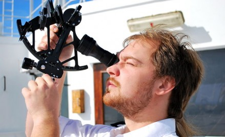 How a Marine Sextant Helps in Getting Ship Position ?